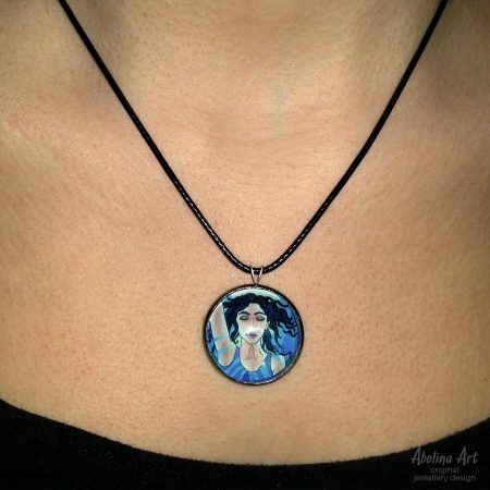 Model wearing Temperance pendant