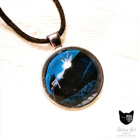 Whale Dreaming 25mm pendant set in glass cabochon on metal tray