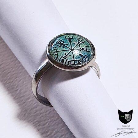 Vegvisir wayfinder artwork featured on this 12mm cabochon ring setting hypoallergenic stainless steel