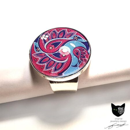 25mm glass dome ring with paisley inspired artwork in pink and blue