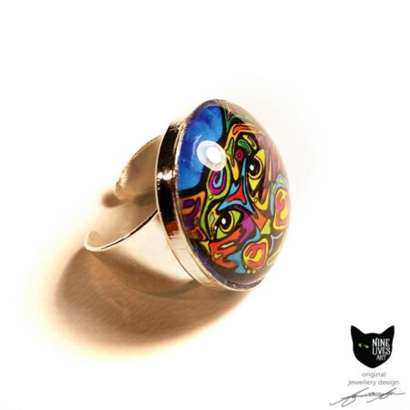 Psychedelic cat in blue - 25mm glass dome ring setting with adjustable silver coloured base